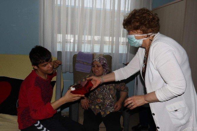 Büyükşehir Kanser Hastalarını Unutmadı