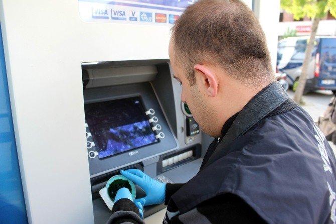 Atm'de Kart Kopyalayıcı Düzenek Ele Geçirildi