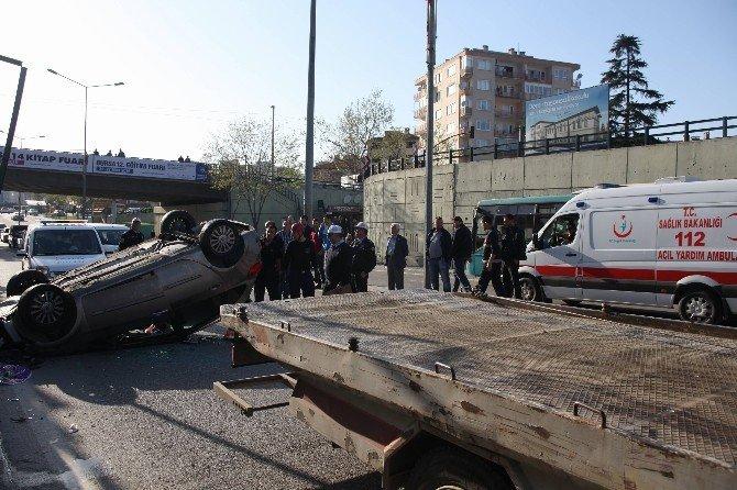 Korkuluklara Çarpan Otomobil Köprüden Uçtu: 2 Yaralı