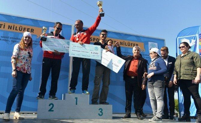 Paraşütçüler Ödüllerini Başkan Bozbey'in Elinden Aldı