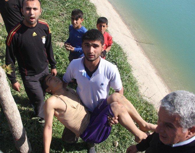 Polis İle Çocuk Ele Ele Hayat Kurtardı