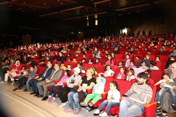 Salon Sirki'ni Üç Günde 10 Bin Kişi İzledi