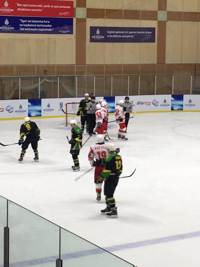 Türkiye Milli Buz Hokey Takımı şampiyonluğa gidiyor