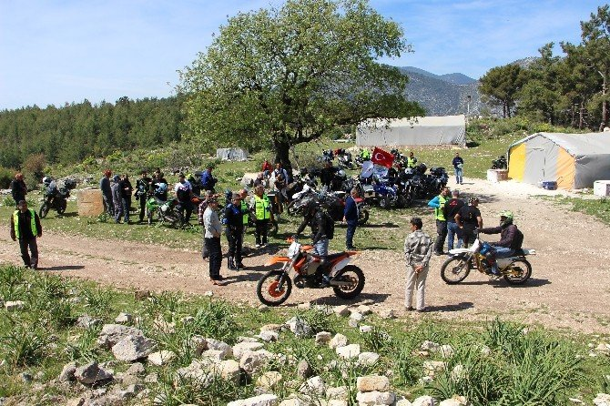 400 Motorcu Kumluca'da Buluştu