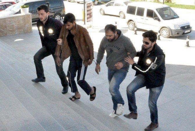 Uşak'taki Uyuşturucu Operasyonunda 4 Tutuklama