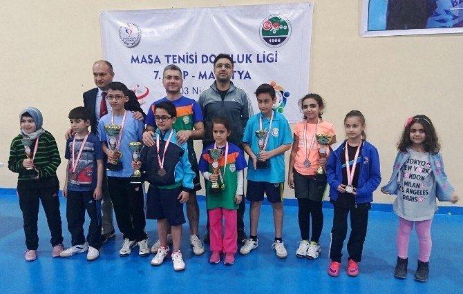 Yeşilyurtspor Masa Tenisi Takımı, Kupa Ve Madalyaları Topladı