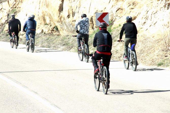 Polis Haftası etkinliği 35 kilometrelik bisiklet turu ile başladı
