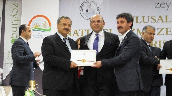 Burhaniye'de Zeytinyağı Kalite Ödülleri Dağıtıldı