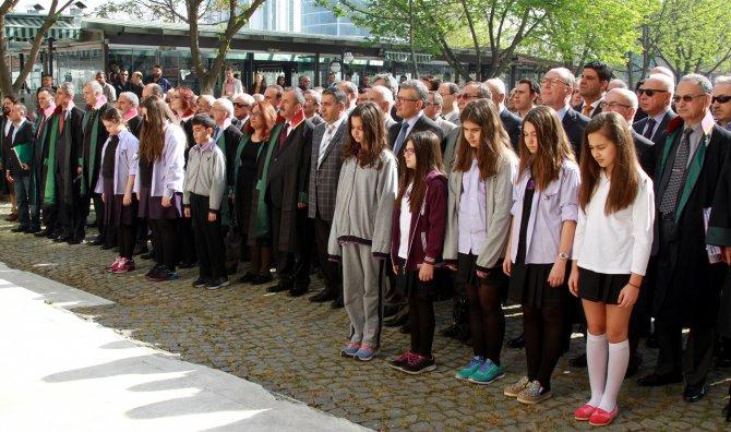 Bursa'da avukatlar günü kutlandı