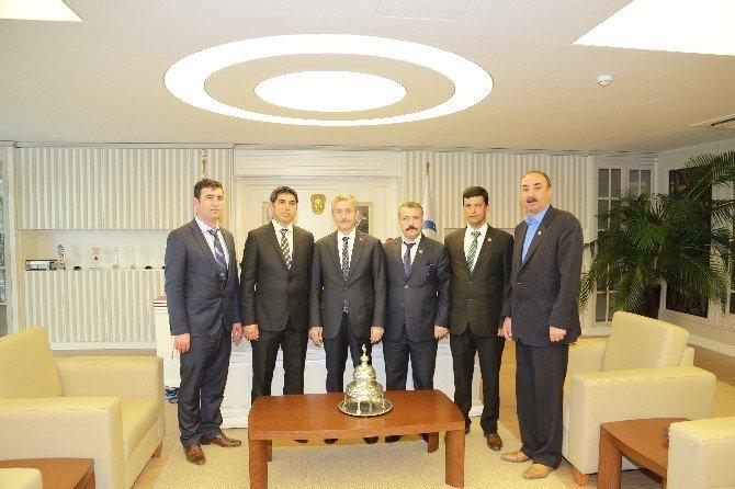 5 Yeni Mahalle Muhtarı Şahinbey Belediye Başkanı Mehmet Tahmazoğlu'nu Ziyaret Etti