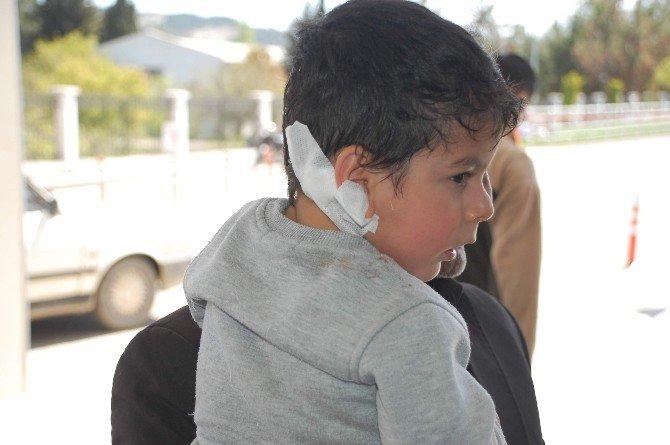 Salıncağın Çarptığı Çocuk Yaralandı