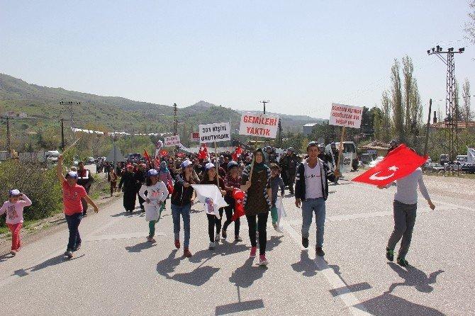 Madenciler Yer Altında, Aileleri Yolda Eylem Yaptı