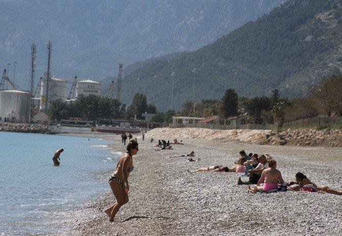 Antalya Sezonu 24 Dereceyle Açtı