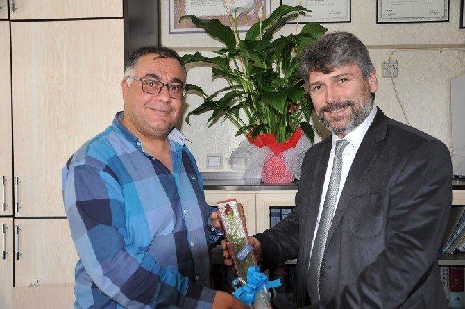 Avukatlara Günlerinde Çiçekli Kutlama