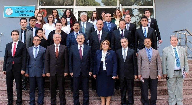 Aydın'da TÜBİTAK Başarısı Elde Eden Okullar Ödüllendirildi.