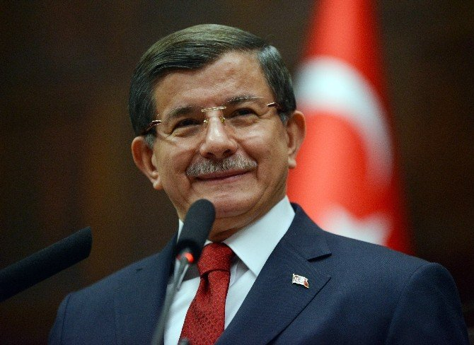 Davutoğlu'dan Yeni Anayasa Açıklaması