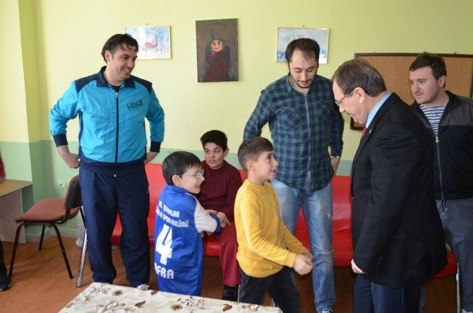Başkan Şahin'den Şampiyon Sporculara Ziyaret