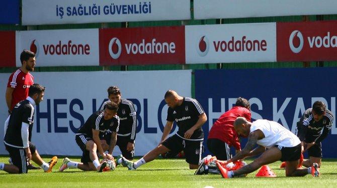 Beşiktaş'ta, Bursaspor mesaisi moralsiz başladı