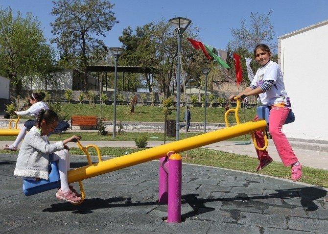 Büyükşehir'in Spor Şenlikleri İlçelerde Başladı