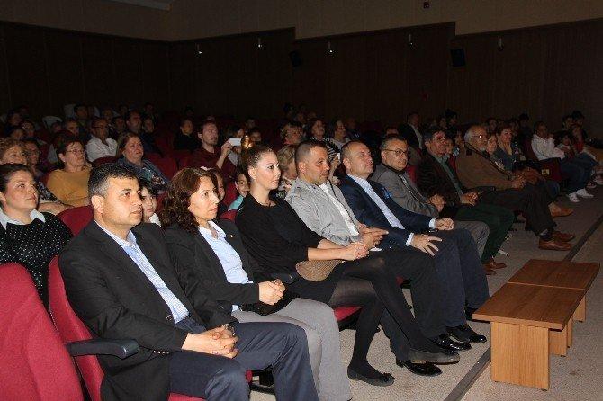 Didim'de Engelliler Yararına Tiyatro Oynandı