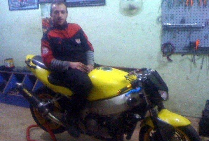 Gaspçıyı Motorcu Bandanası Yakalattı