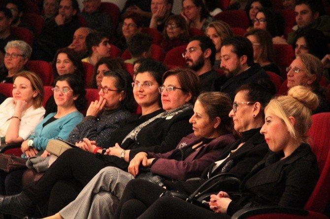 Konak'ta Güldüren 'Kredi' Oyunu