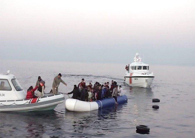 Ege Denizinde Nisan Ayında 247 Göçmen Yakalandı