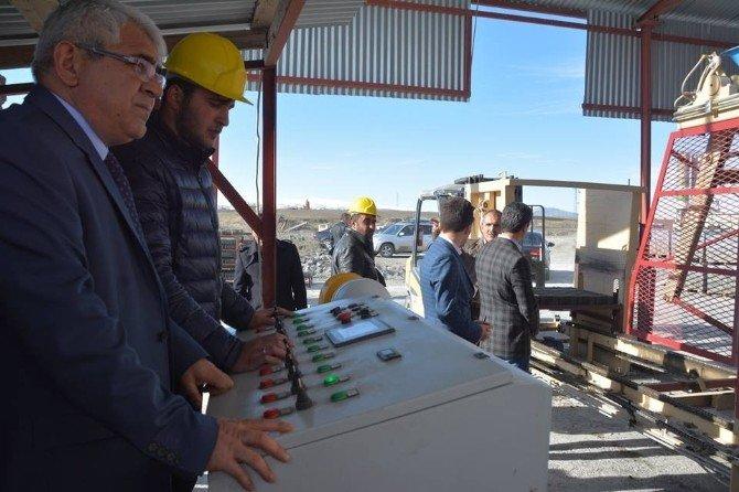 Kars Belediyesi Kilit Parke Taş Şantiyesi Üretime Başladı