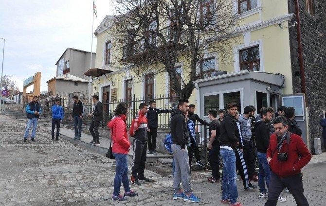 Azerbaycan'a Türkiye'nin Dört Tarafından Destek Yağıyor