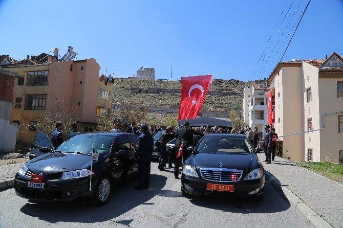 Vali Düzgün'den Şehit Ailesine Taziye Ziyareti