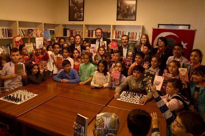 Artık Çukurhisarlı Çocukların Bir Kütüphanesi Var