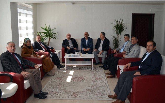 Muzaffer Çakar AK Parti Adilcevaz İlçe Teşkilatıyla Buluştu