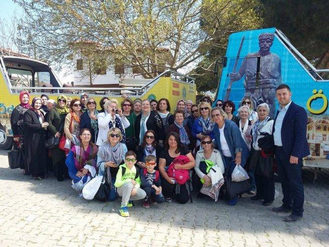 Yeşil Deniz'in çekimlerinin yapıldığı Birgi'ye gelenlere ücretsiz tur otobüsü