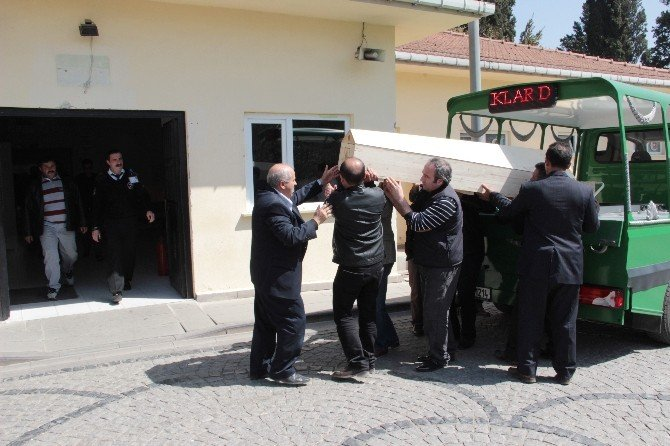 Öldürülen Baba Oğlun Cenazesi Adli Tıptan Alındı