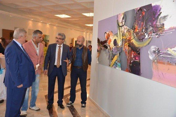 'Diyalektik Yansımalar' Sergisi Sanatseverlerle Buluştu