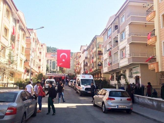 Silopi'de şehit düşen Özel Harekat Polisi'nin baba ocağına ateş düştü