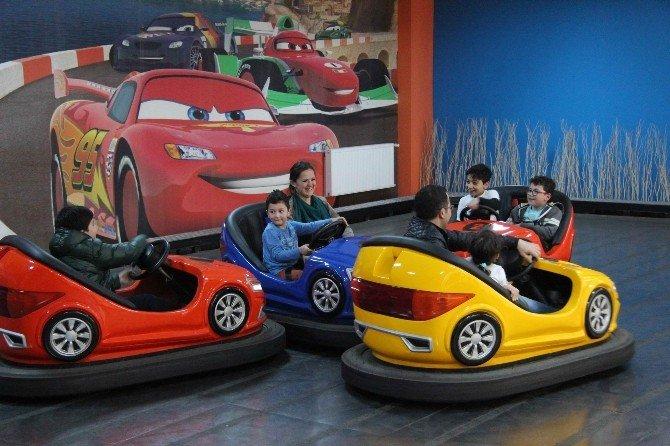 Çocuk Oyun Ve Eğlence Merkezine Yoğun İlgi