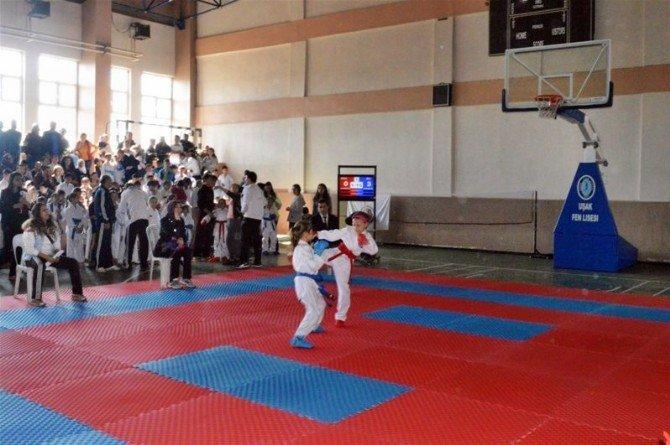 Sökeli Karateciler Uşak'tan Başarıyla Döndü