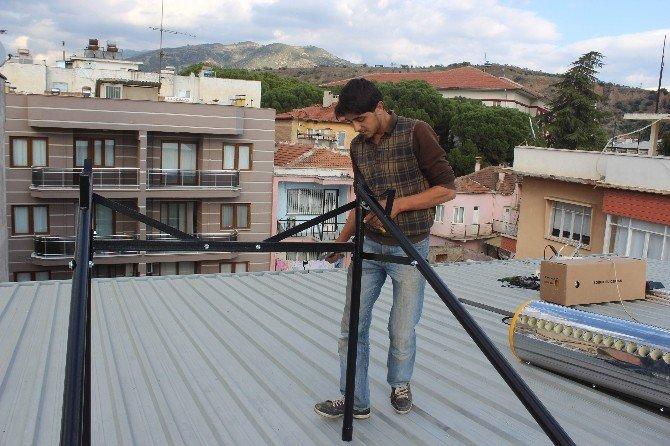Dilenmeyen Suriyeliler Meslek Sahibi Olup Çalışmaya Başladı