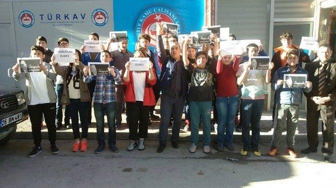 Türkav Eskişehir Şubesi'nin Çocukları Başbuğ Alparslan Türkeş'i Andı