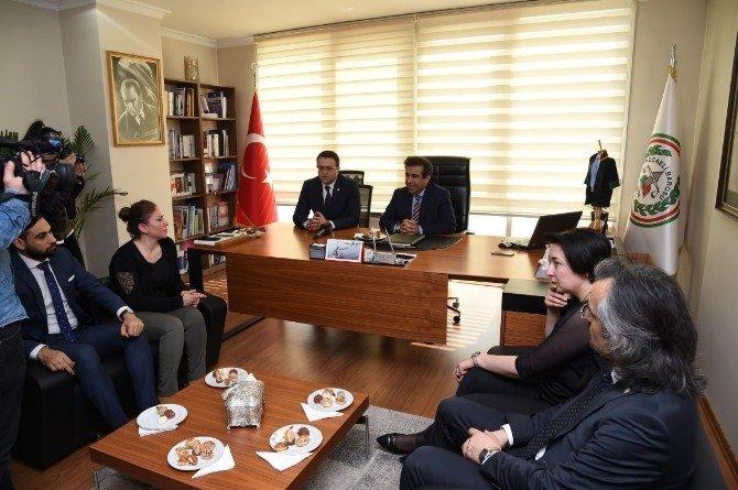 Vali Güzeloğlu'ndan Kocaeli Barosu'na Ziyaret