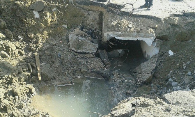 Van'da Yaşanan Patlamanın Etkisi Gün Ağarınca Ortaya Çıktı