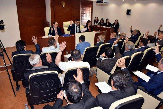 Aliağa'da Encümen Üyeleri Ve Komisyonlar Belirlendi