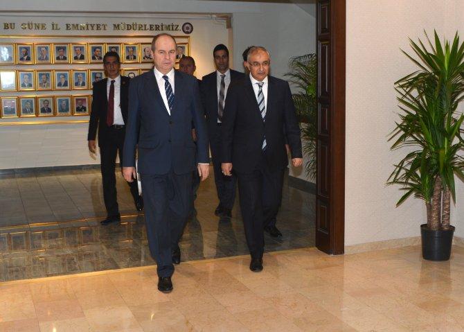 Ankara Valisi'nden İl Emniyet Müdürü'ne ziyaret
