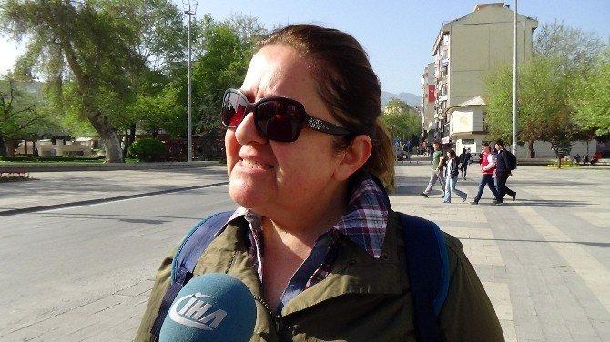 Denizlili Kadınlar Bakan Ramazanoğlu'na Sahip Çıktı