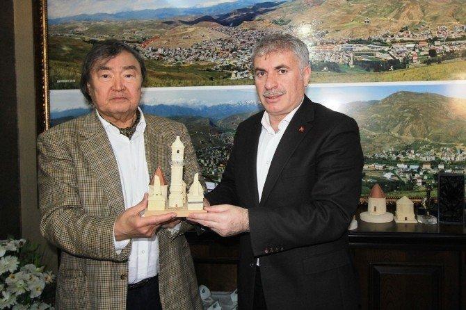 Kazakistan Heyetinden Başkan Memiş'e Ziyaret