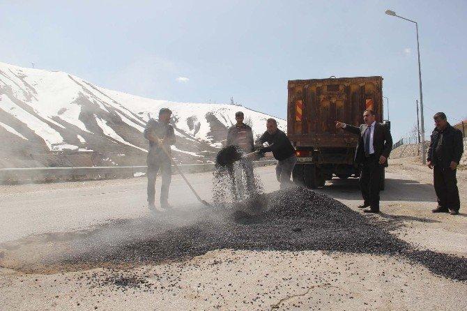 Bitlis Belediyesi'nden Yol Onarım Çalışması