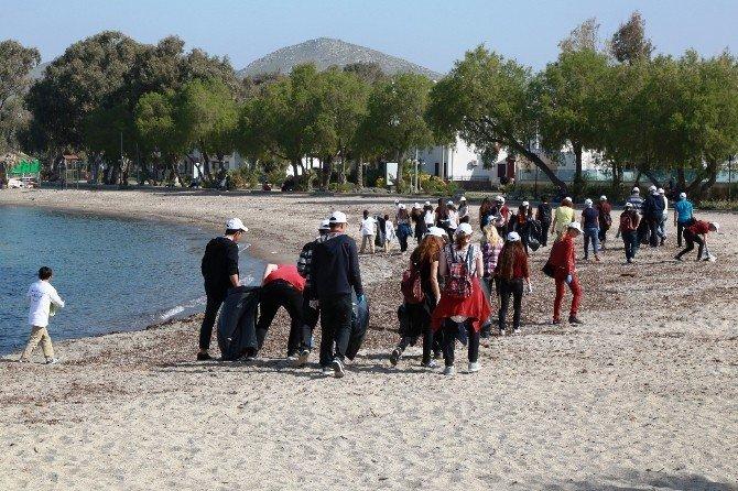 Dalgıçlar Bu Hafta Turgutreis Günbatımı Plajı'nı Temizledi