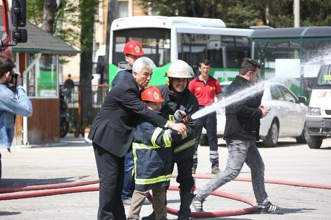 Otistik Çocuklar Yangın Tatbikatına Katıldı