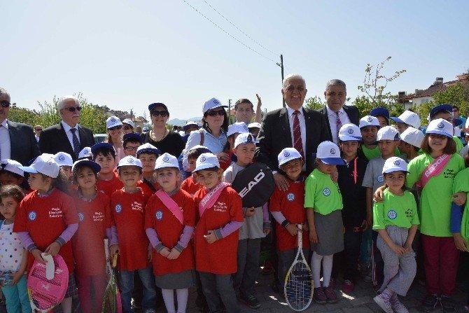 Büyükşehir Dalaman'da Tenis Kortu Açtı